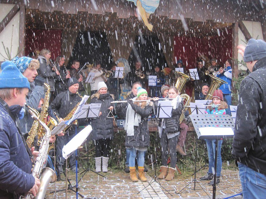Weihnachtsliederspielen und Europa-Park